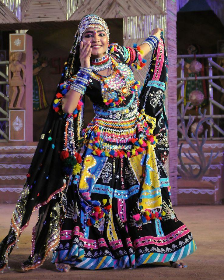 5df8fde650a1d036c6e9cd126e305a32--tribal-dance-udaipur