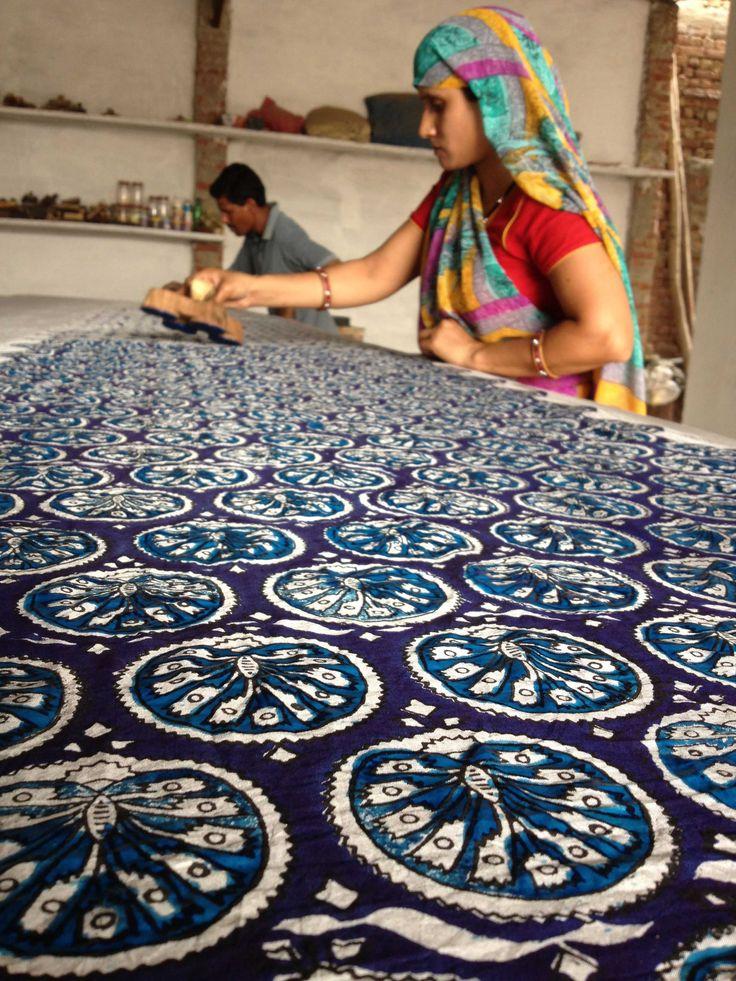 efa51bb6c4ba378a39869c0b37cd6637--indian-prints-indian-textiles